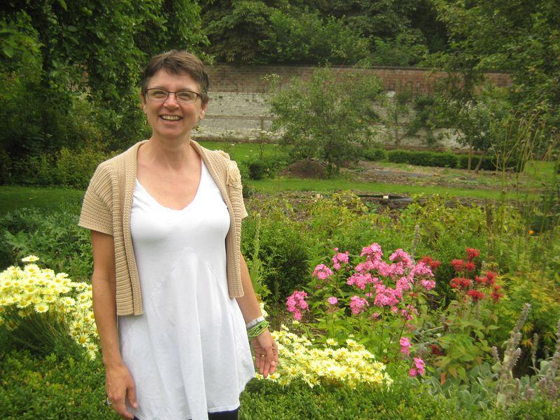 Lisa walled garden